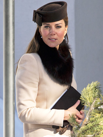 kate-middletons-swiss-alps-wedding-outfit